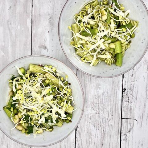 Frühling: Vegane Pasta mit grünem Spargel